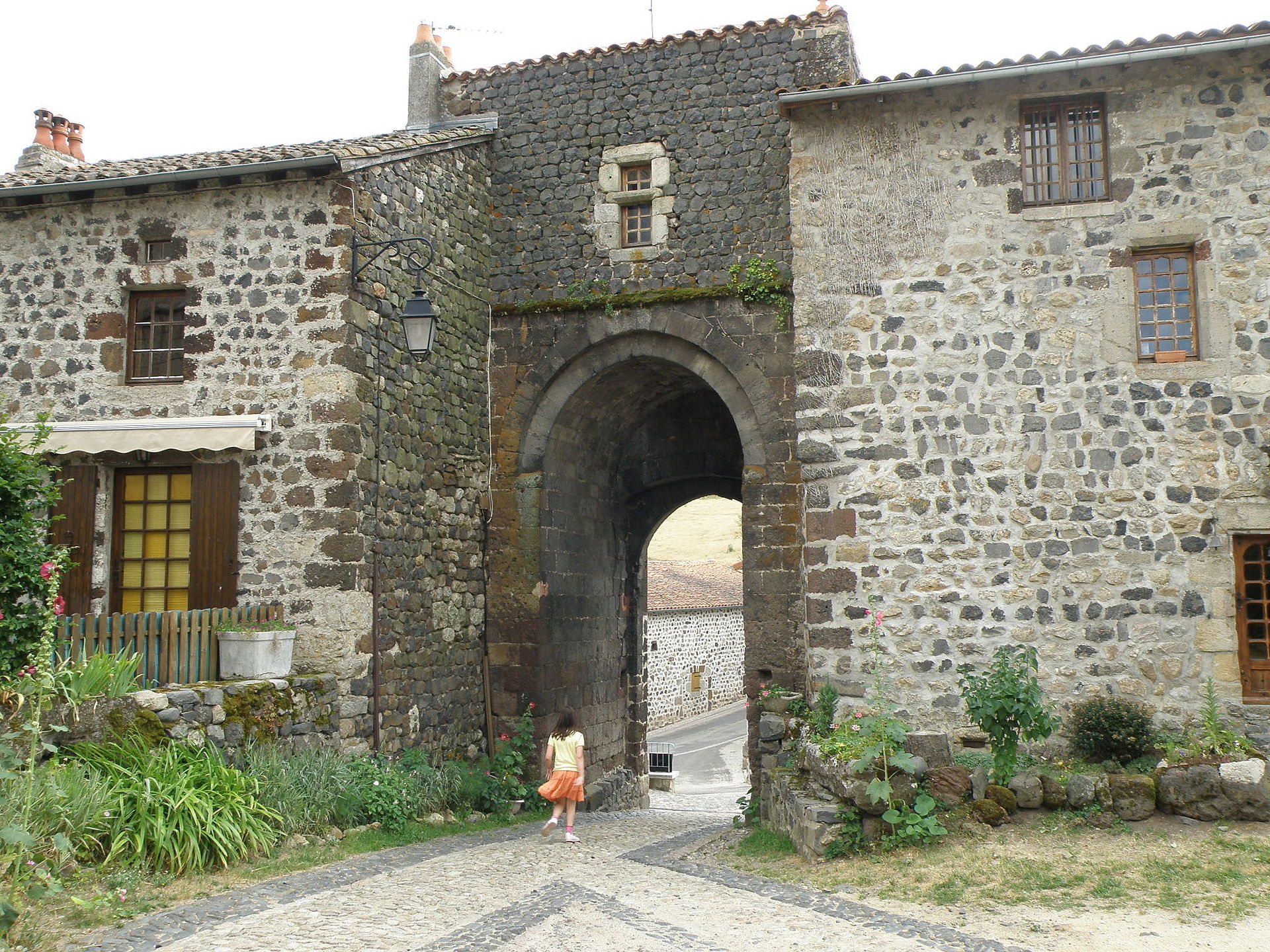 Arlempdes - La Poterne (face nord)