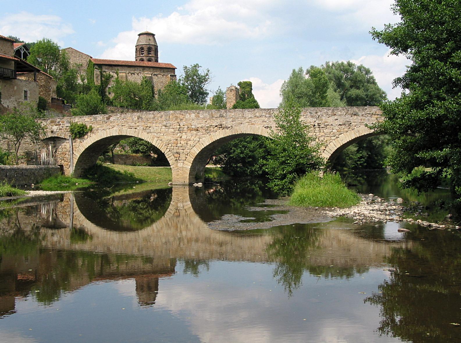 Lavaudieu - Le vieux pont, sur la Sénouire