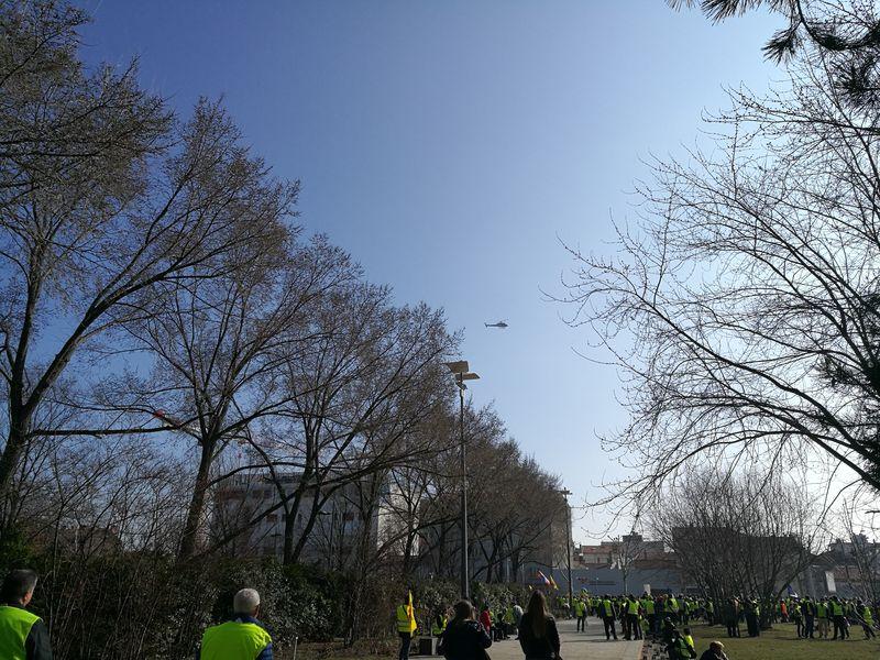 Hélicoptère, place du 1er Mai