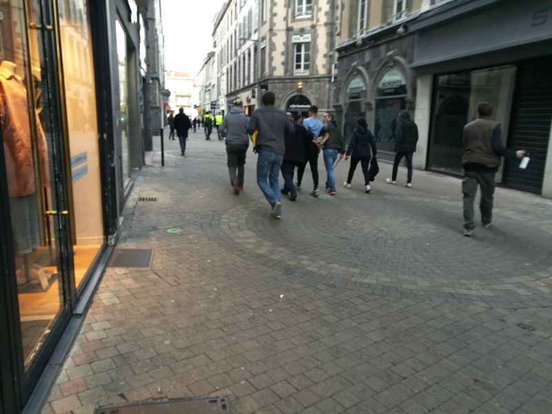 Police, rue du 11 Novembre